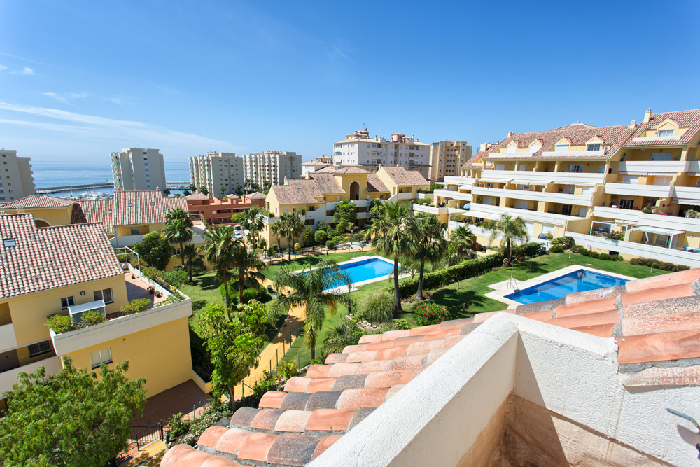 Penthouse in Estepona port